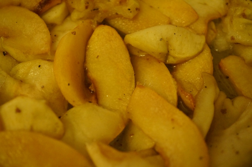 Cooked apple and quince